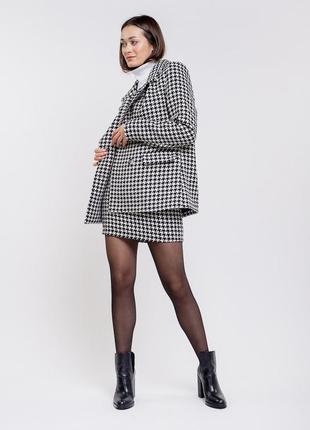 Пиджак чёрный в белые лапки