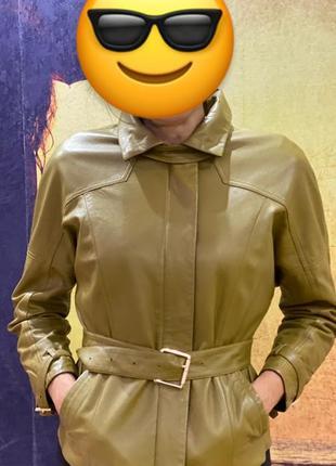 Кожная куртка , шкіряна куртка , осіння куртка