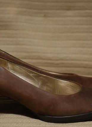 Изящные формальные коричневые кожаные туфли -лодочки gabor германия 6 р. ( 26,3 см.)