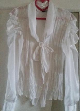 Белоснежная блузка кофточка.