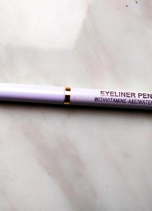 Чёрный карандаш для глаз