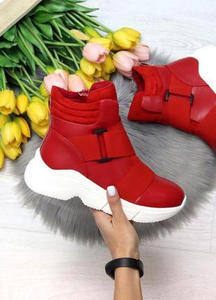 Ботинки зима красные