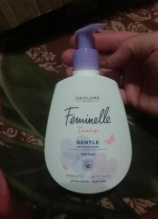 Мягкий гель для интимной гигиены feminelle