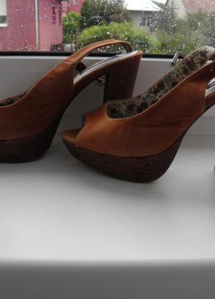 Коричневые босоножки на высоком каблуке, размер 37