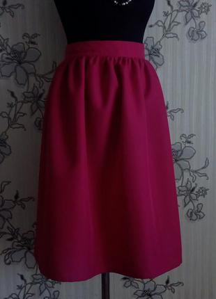 Новая малиновая юбка миди в сборку , размер s m l.