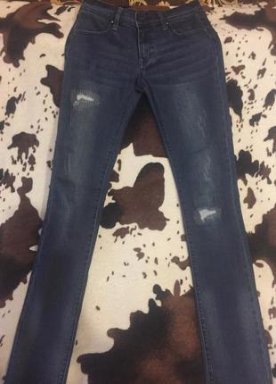 Класные джинсы kira plastinina