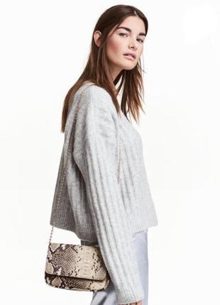 Шерстяной серый свитер джемпер в косу
