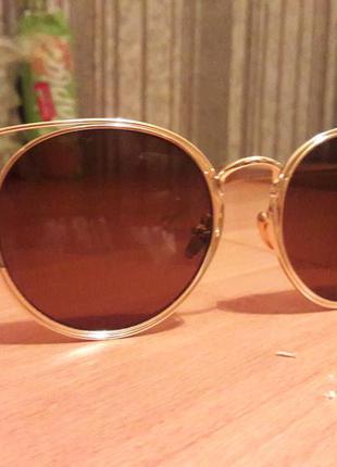 Модные очки оригинальной формы