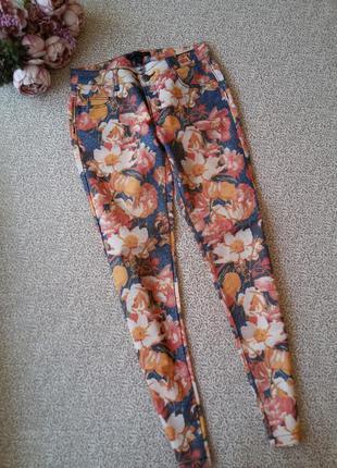 Штаны брюки джинсы в яркий принт в цветочек amisu