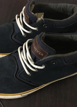 Туфлі, кросівки