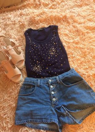 Длинная футболка со звездами