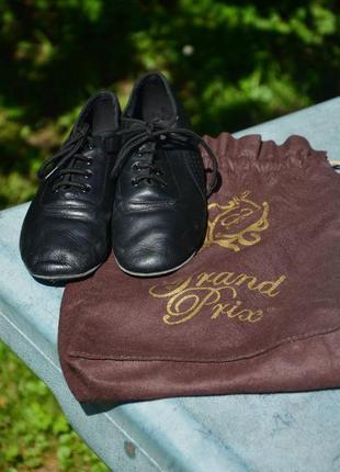 Бально-тренерувальне взуття