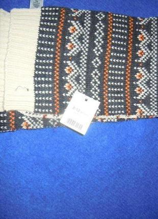 Красивый  двухсторонний узорчатый шарф