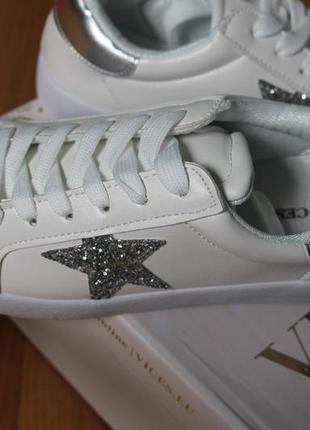 Шикарные белые кроссовки с серебряными звёздами размеры 36-41