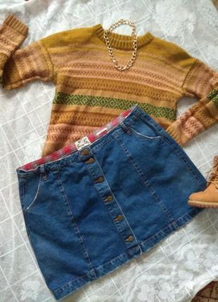 Трендовая джинсовая юбка на осень из плотного денима