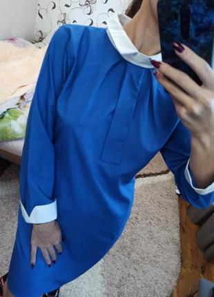 Женское платье синее с белым воротником и галстуком