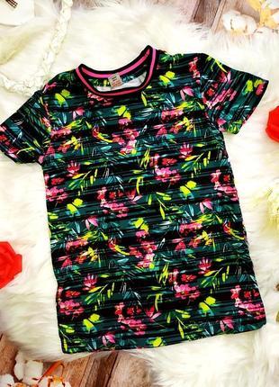 Яркая спортивная футболка tu на 4-6 лет