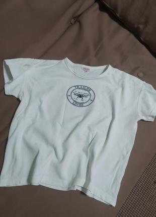 Модная футболка отличного качества .осень приятная на ощупь.🌼