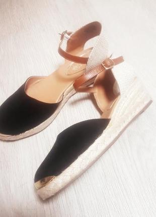 Очень классные удобные туфли miss kg