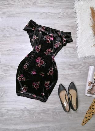 Шикарное чёрное бархатное платье в цветы
