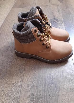 Крутые фирменные демисезонные ботинки