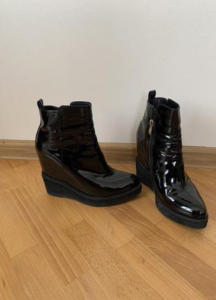 Ботильйони, черевички жіночі