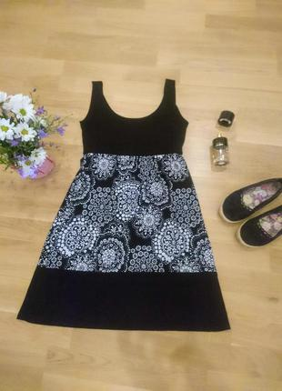 Платье с цветочним принтом