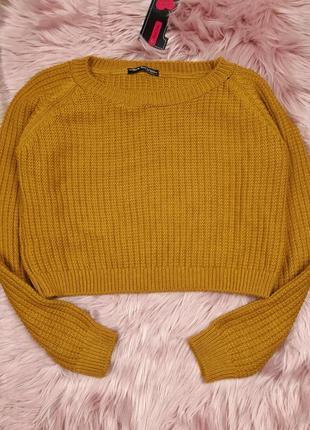 Укороченный горчичный свитер без узора