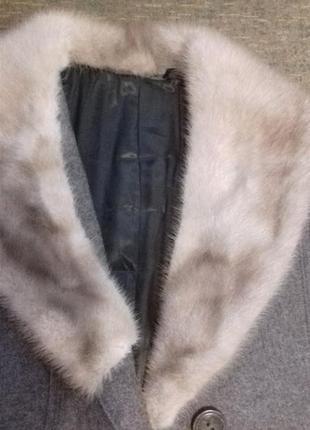Пальто теплое,ворот норка.