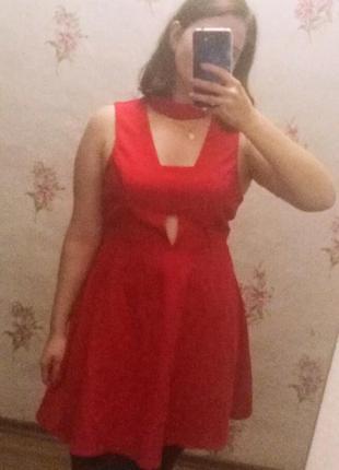 Красивое красное платье 💃