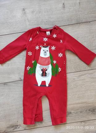 Продам новогодний наборчик на малышонка 6-9 месяцев