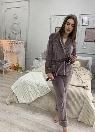 Велюровый костюм для дома. домашний костюм на запах пижама штаны и пиджак с поясом. с,м,л