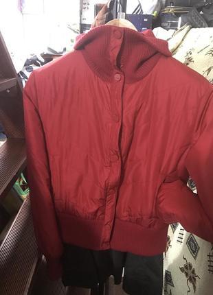 Демисезонная куртка-бомбер stradivarius