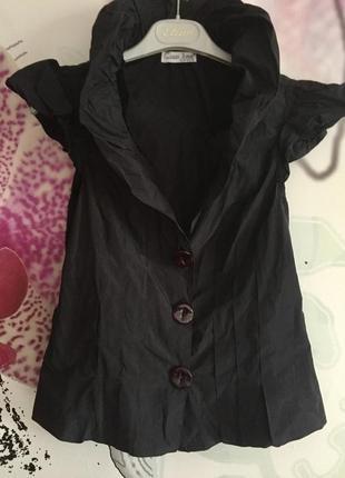 Блузка атласная на пуговицах нарядная