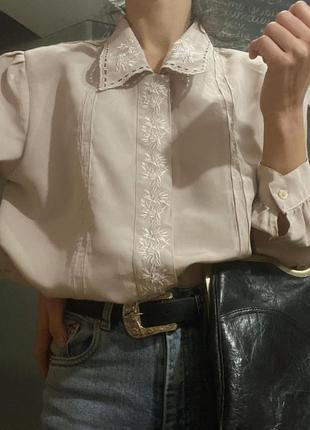 Винтажная блуза с красивым  воротником и рукавами фонариками s-m