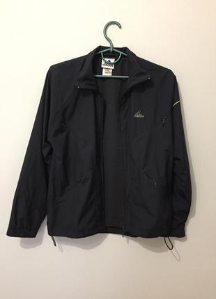 Черная куртка ветровка адидас