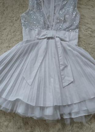 Новое белоснежное платье паетки пышное трапеция с бантом