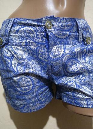 Красивые шорты donna secret  размер м