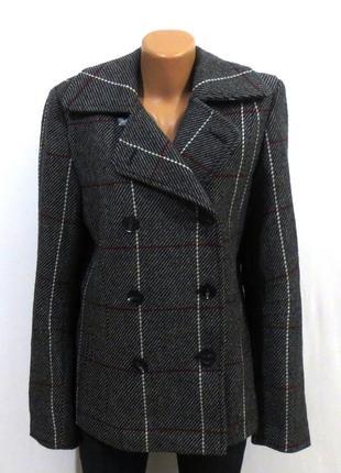 Шерстяное пальто от new view идеально для базового гардероба