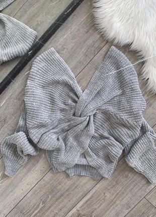 Объемный свитер oversize с узлом