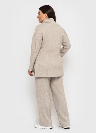 Женский теплый бежевый брючный повседневный костюм больших размеров из ангоры (4062 luzn)4 фото