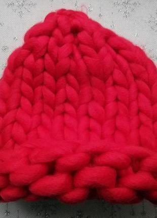 Шапка крупной вязки, вязаная шапка, красная