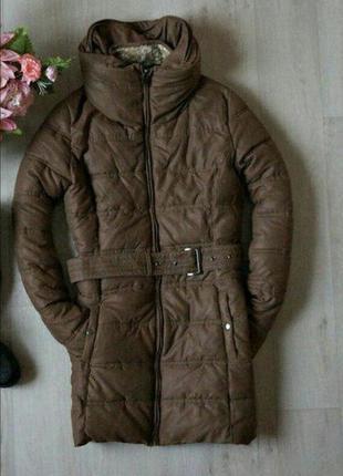 Зимнее пальто с объемным воротом