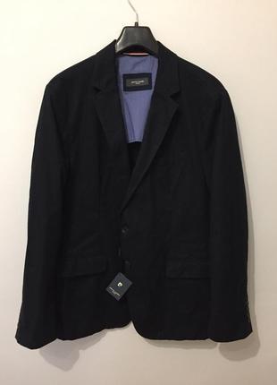 Черный пиджак новый