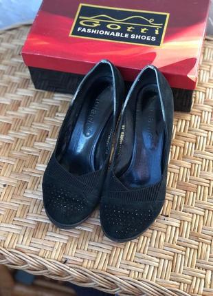 Черные туфли натуральная замша