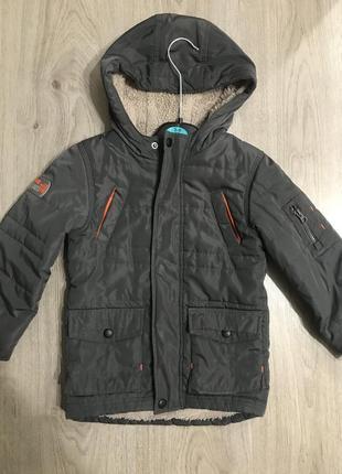 Демисезонная курточка на 4 года 104р бренда mothercare и штаны