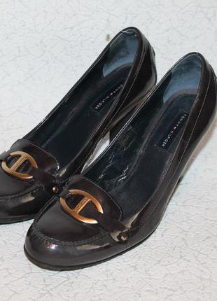 Шикарные кожаные туфли от tommy hilfiger 41 размер 26,5 см