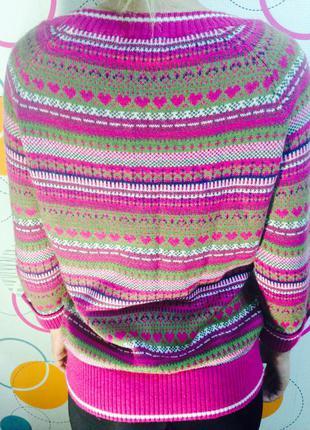 Яркий свитер m&s