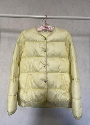Демисезонная куртка mango.