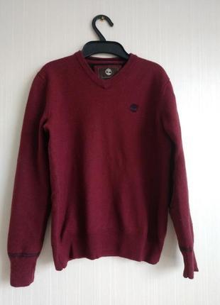 Качественный шерстяной свитер известного бренда